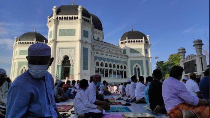 MASJID Raya Al - Mashun Gelar Salat Idul Adha, Jamaah Dibatasi Tidak Sampai ke Jalan