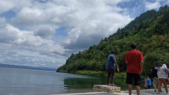 Semenanjung Desa Meat, Lokasi yang Cocok untukNikmati Kesejukan Semilir Angin dari Danau Toba