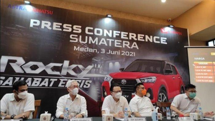 Suasana press conference peluncuran Daihatsu Rocky di Plaza Medan Fair, Kamis (3/6/2021). (Tribun Medan/Yufis)