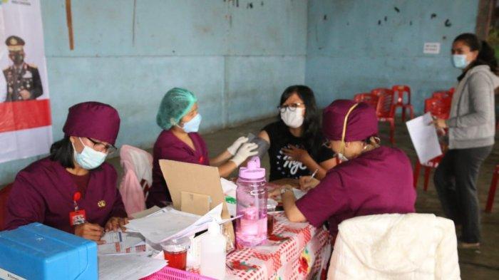 Vaksinasi Massal di Siborong-borong, 800 Dosis Disediakan, Bupati : Kita Vaksin untuk Kesehatan