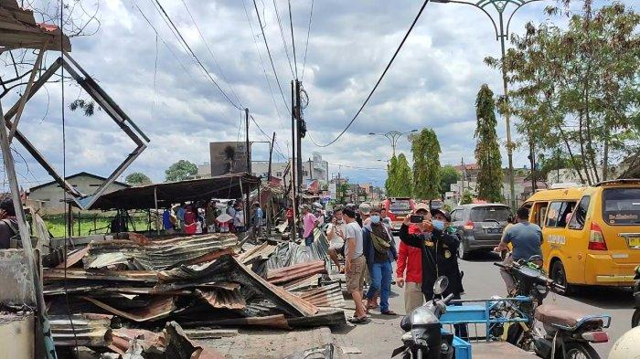 8 Warung yang Terbakar di Jalan Jamin Ginting Ternyata Merupakan Bangunan Liar