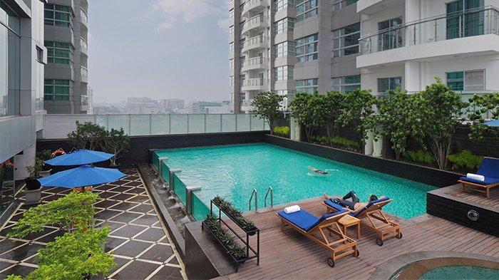 Swimming Pool Cambridge Hotel Medan