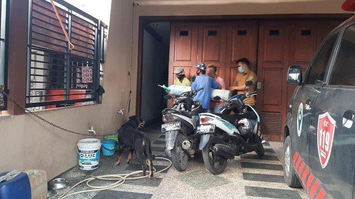 Tabung Oksigen Bersama Dibawa ke Rumah Heriyanti Akidi Tio
