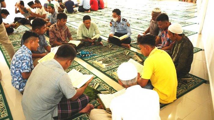 Momen Mantan Pengedar Sabu Mengajar Ngaji di saat Ramadan, Ajak Para Napi Berlomba Khatam Al Quran