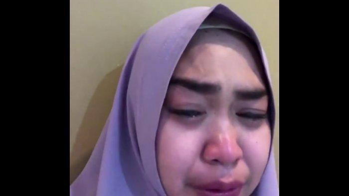 Unggahan Menyentuh Ria Ricis Sebelum Ayahnya Meninggal: Biar Aku Pulang