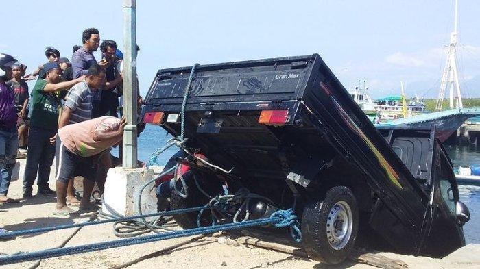 Tak Mampu Bayar Cicilan Kredit, Pria di Nusa Tenggara Timur Sengaja Masukkan Mobilnya ke Laut