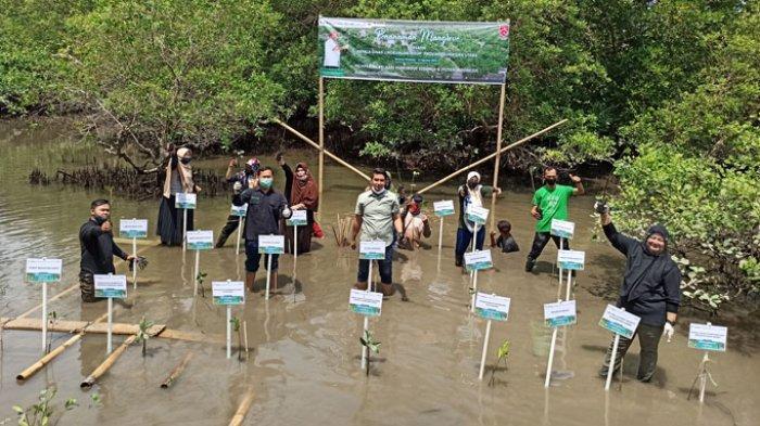 Yagasu Ajak Warga Medan Tanam Pohon dan Susur Mangrove Sicanang Belawan