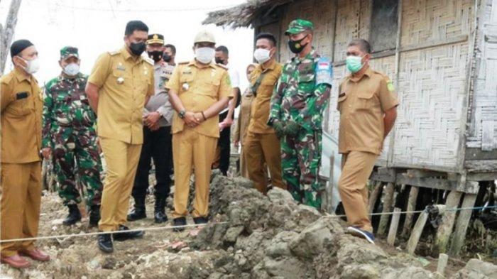 Pemko Medan Bangun Benteng Empat Meter untuk Adang Banjir Rob
