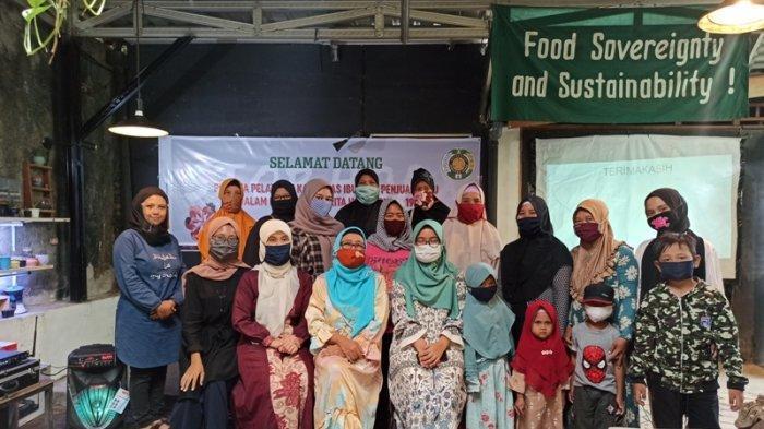 Tangkal Hoaks Corona, Tim Pengabdian Masyarakat FISIP USU Fasilitasi Pelatihan untuk Penjual Jamu