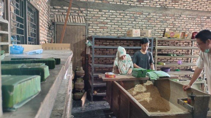 Terancam Tutup, Produsen Tempe di Asahan Keluhkan Harga Bahan Baku Kedelai