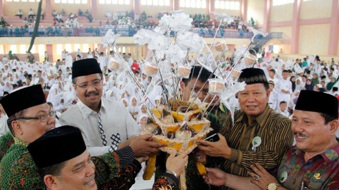 Gubernur Tengku Erry Ajak Orangtua Ajarkan Al Quran kepada Anak sejak Dini