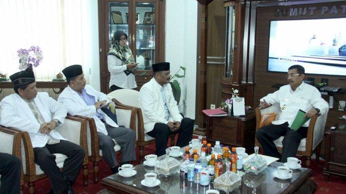 Gubernur Tengku Erry Harap Mubalig Dapat Berperan Sukseskan Pilkada Serentak