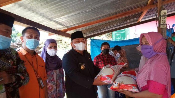 Terbit Rencana Beri Hadiah Umrah 3 Bilal Mayit dan Penggali Kubur, Sebar Sembako untuk Warga