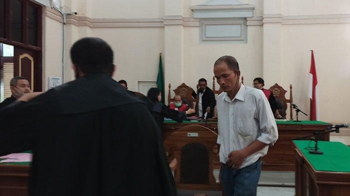 Bilang Santet di 'Susu' Kakak Ipar, Tangi Pahala Manalu Jadi Pesakitan di PN Medan