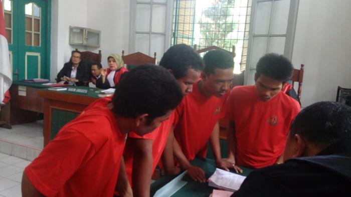 Empat Anggota PP Keroyok Monang Hutabarat Secara Brutal