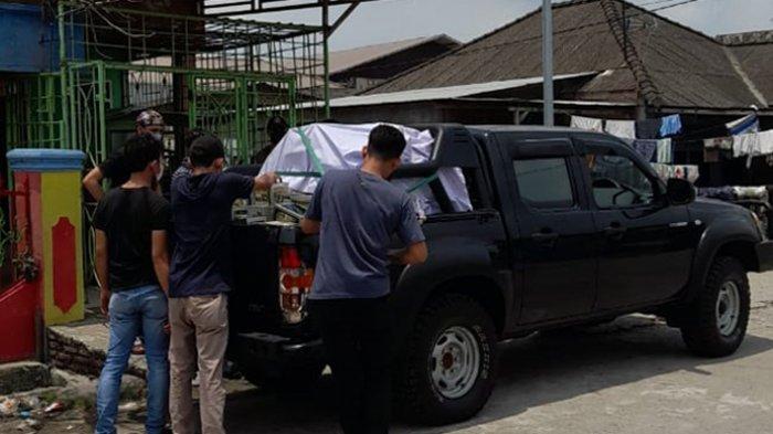 Densus 88 Antiteror Sita 300 Kotak Infak dari Rumah Terduga Teroris Amri di Medan Belawan
