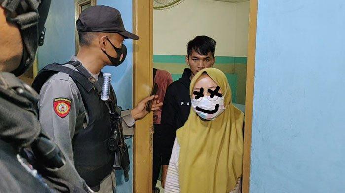 Diduga Lagi Telanjang saat Mantap-mantap, Pasangan Muda-mudi Panik Pintu Hotel Digedor Satpol PP
