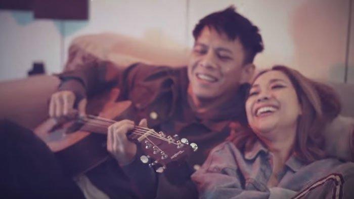 Ariel Noah dan Bunga Citra Lestari dalam album baru.