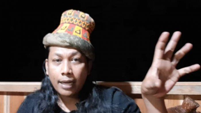 Teuku Iqbal Johard peramal asal Aceh. Lima bulan lalu ia mengunggah video ramalannya bahwa Mbak You meninggal tahun ini