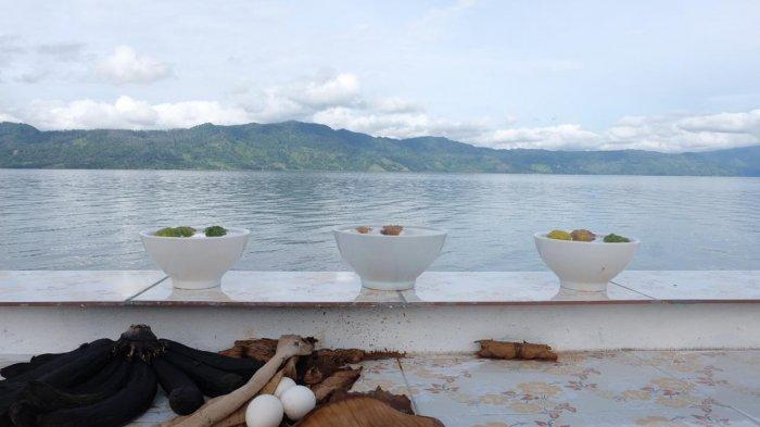 Kisah 7 Dukun Penantang Tuan Jonggi Di Pasir Silalahi Danau Toba, Berakhir Dalam Guci Sibiaksa