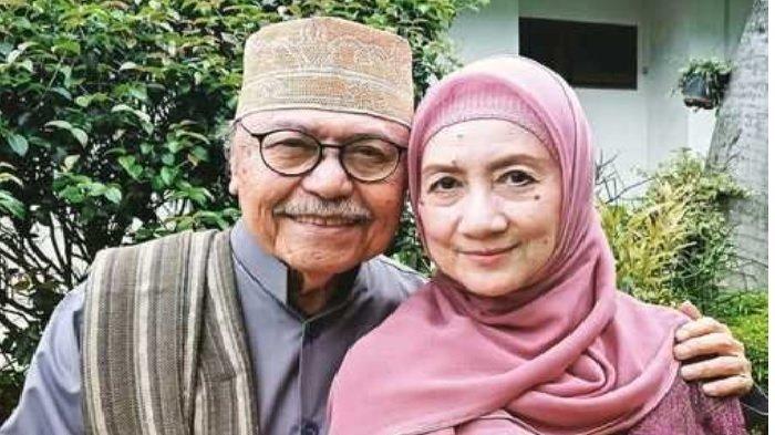 Layak Jadi Panutan Sejoli Artis Senior Ini, Sudah 48 Tahun Menikah Kisah Cintanya Menua Bersama