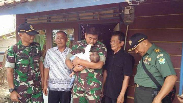 Lihatlah, Mengharukan Ketika Personel TNI Jenguk Anak Yatim yang Ditinggal Ayah dan Ibunya