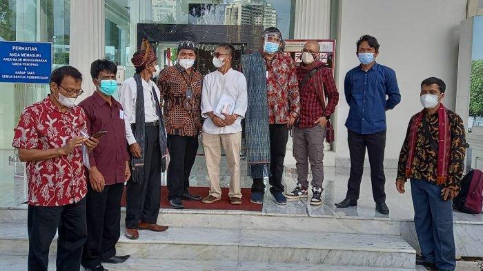 Dokumen Tutup TPL Sampai di Tangan Jokowi, Abdon Nababan: Kita akan Kawal Tim Audit dari Negara