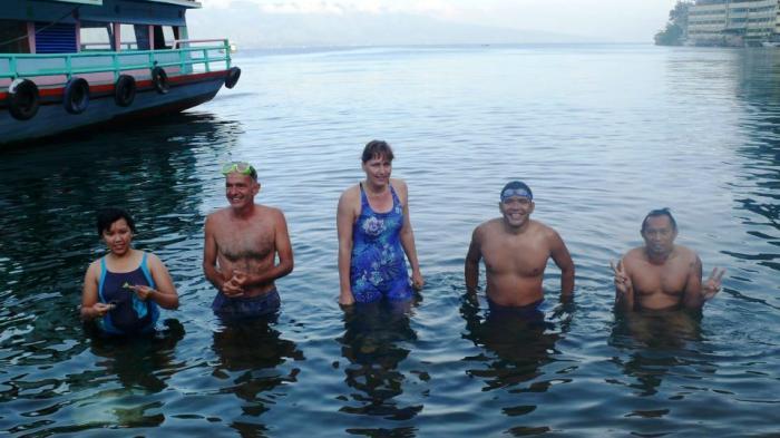 Pimpinan KPK dan Kepala Daerah Menikmati Puisi di Atas Danau Toba Untuk Rayakan Ini
