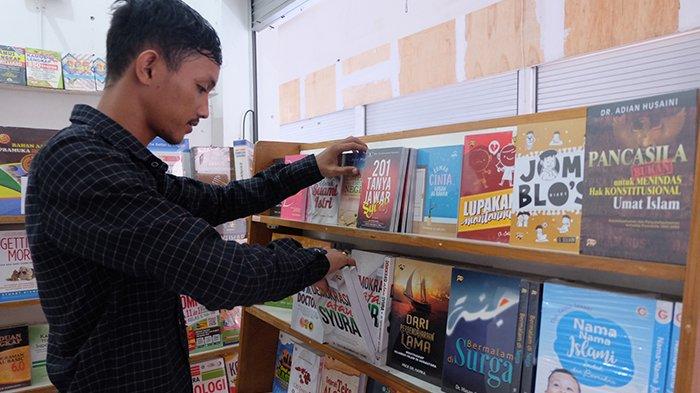 Buku dari Beragam Penerbit di Garuda Media