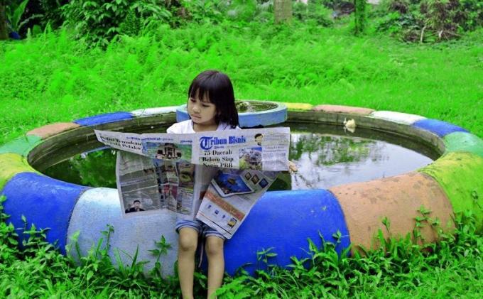 Foto: Menikmati Tribun Medan