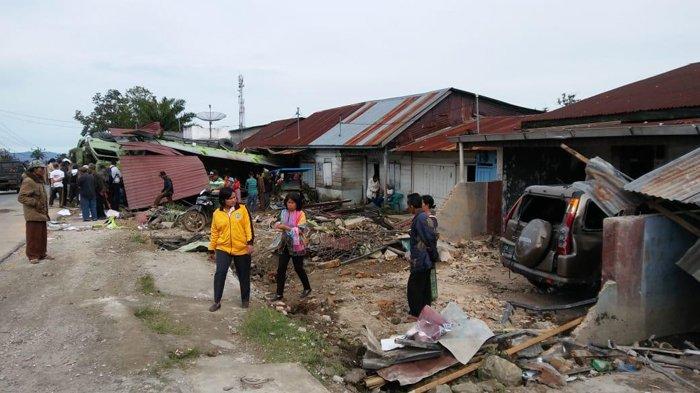 SupirTruk Kontainer Suruh Kernet Melompat Sebelum Hantam Rumah Warga dan Tewas di Tempat
