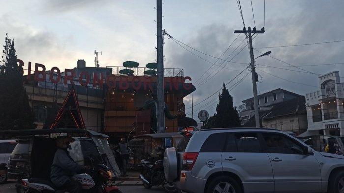 Tugu Ombusombus di Kota Siborongborong, Tapanuli Utara