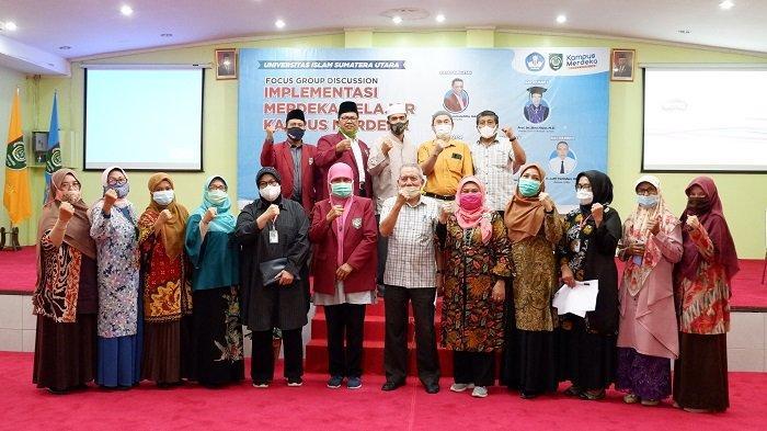 Foto bersama usai pelaksanaan FGD Implementasi Merdeka Belajar Kampus Merdeka