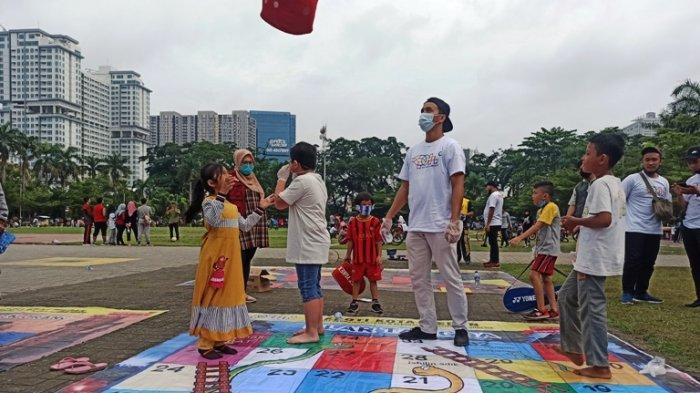 15 Jenis Permainan Tradisional Tersedia Di Lapangan Merdeka Egrang Jadi Favorit Tribun Medan