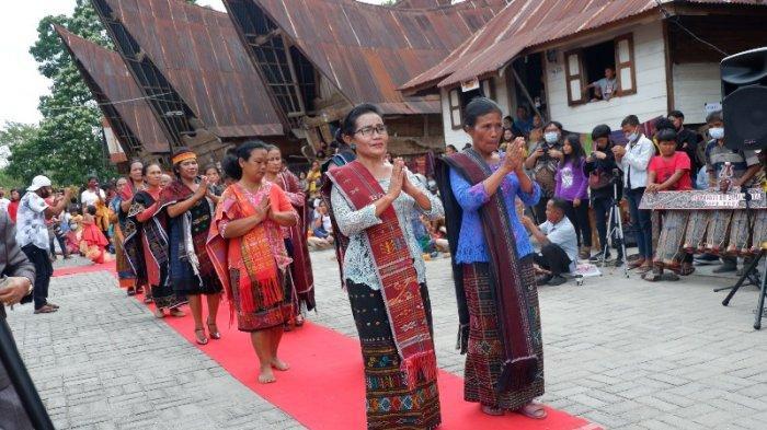 Hari Ulos Nasional, Masyarakat Indonesia Diharapkan Lebih Menghargai Ulos