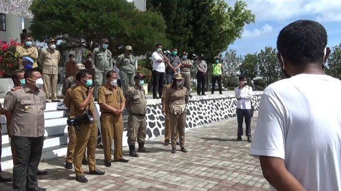 KANTOR Bupati Toba Digeruduk Massa Aksi yang Mempersoalkan Banyaknya Bangunan Liar