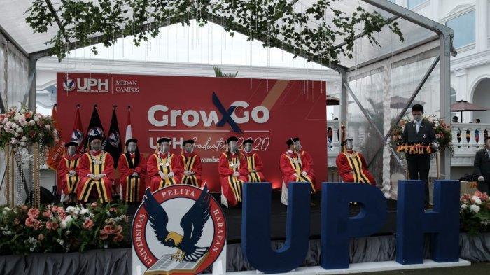 """UPH Kampus Medan Lantik Lulusan yang Siap Menjadi """"Agent of Transformation"""