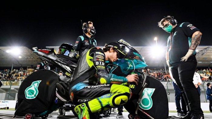 Menjelang MotoGP Doha 2021, Valentino Rossi bersama Petronas Yamaha SRT melakukan dua pekerjaan penting yang wajib diselesaikan