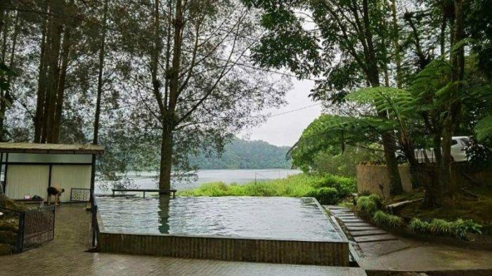 Villa Mari Pro Lau Kawar, Sensasi Berenang Langsung Menghadap ke Danau Lau Kawar