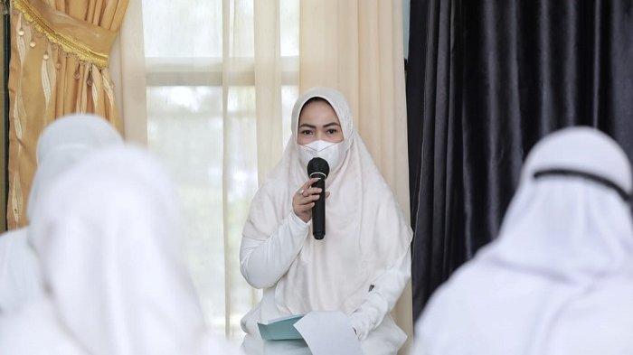 Wakil Ketua TP PKK Kota Medan Harap Pengajian Ramadhan Bermanfaat Bagi Kehidupan para Kader