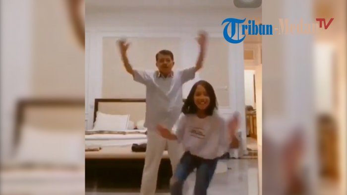 Jusuf Kalla Joget Tiktok dengan Cucu Diiringi Musik Hip Hop, Aksinya Kocak hingga Videonya Viral