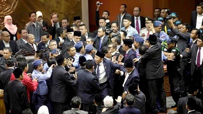 Wakil Rakyat yang Minta Disebut 'Yang Terhormat' dan 'Yang Mulia'