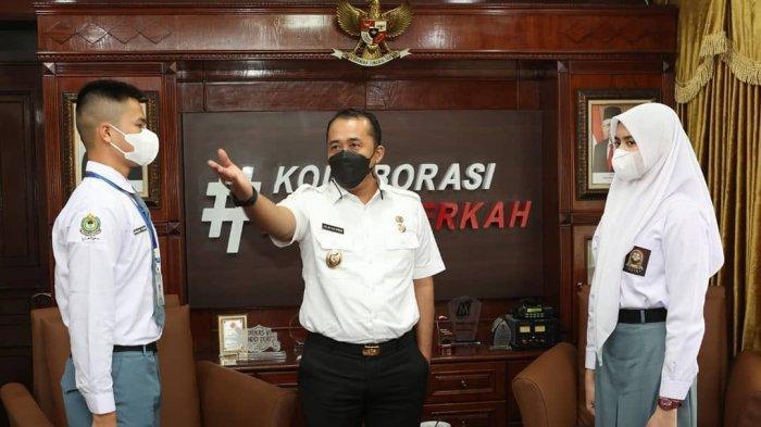 Wakil Wali Kota Medan Aulia Rachman menerima dua calon anggota Paskibra Nasional asal Kota Medan. Keduanya diterima di Ruang Kerjanya di Balai Kota