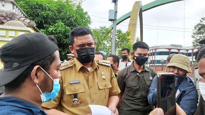 Bobby Nasution Tak Segan-segan Temui Mahasiswa yang Berdemo di Balai Kota, Sampai Terobos Pagar