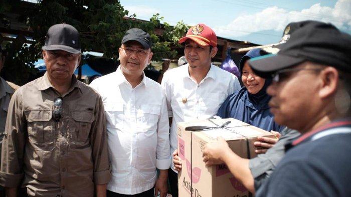 Dzulmi Eldin Antar Langsung Uang Tunai Rp 600 Juta Sumbangan Warga Medan ke Palu