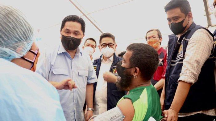 Bobby Nasution Tinjau Vaksinasi Massal di Medan Polonia, Turut Hadir Menteri BUMN