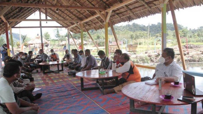 Warga Desa Telagah, Kecamatan Sei Bingai, Kabupaten Langkat, Sumatera Utara, kini menekuni produksi Gula Semut.TRIBUN MEDAN/HO