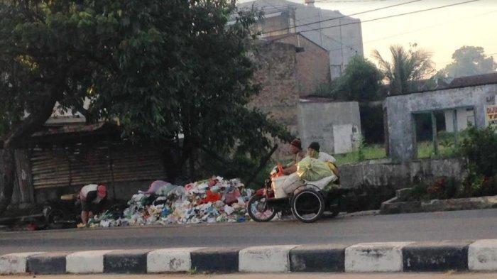 SAMPAH di Jalan Letda Sujono Menumpuk, Warga Minta Perhatian Wali Kota Medan