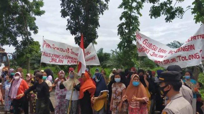 Duit Pemeliharaan Jalan Dikorupsi, Warga Minta Tolong Jokowi Perhatikan Akses Menuju Bahorok