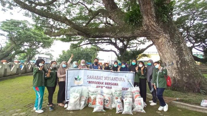 Aksi WCD Kota Medan melakukan pengumpulan dan pemilahan sampah daur ulang di beberapa titik kumpul di 20 kecamatan Kota Medan yang dimulai sejak tanggal 12- 17 September 2021